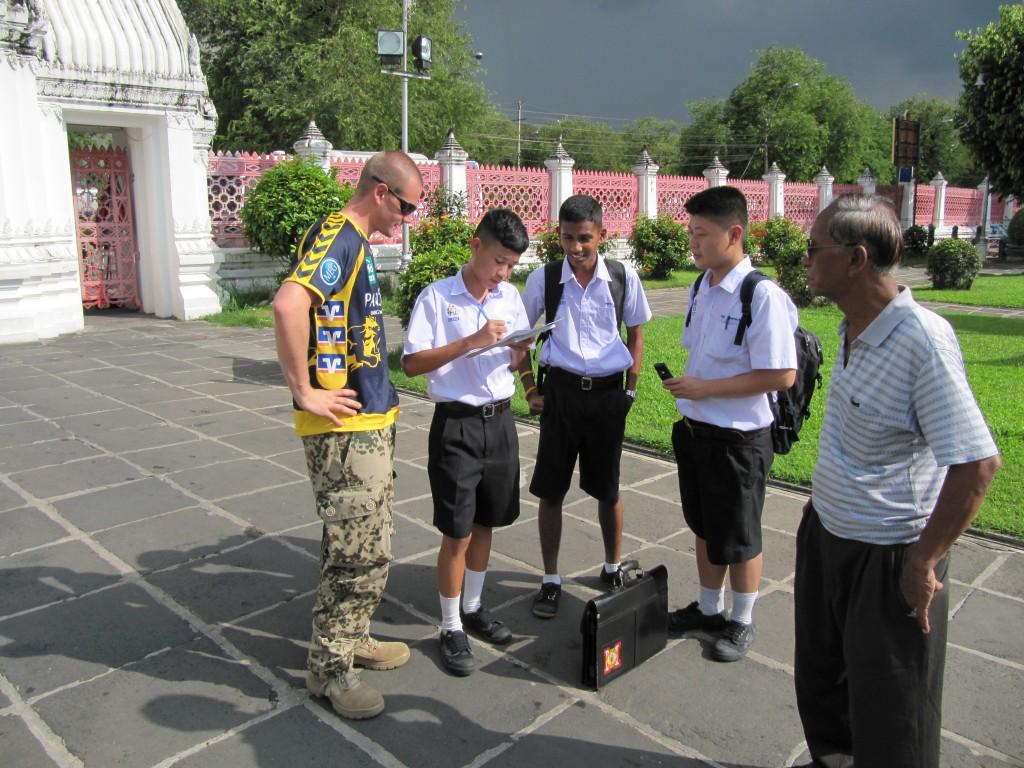 Freddi und Thai Schüler